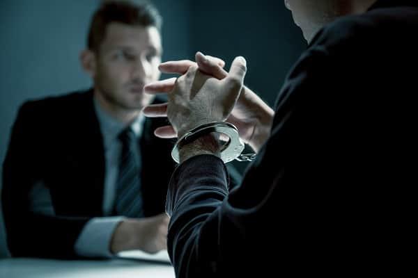 ייעוץ משפטי לפני חקירה עורך דין מנשה סלטון
