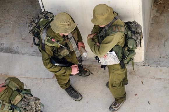אם מתחיילים לא מסתממים: מדוע לא שווה לעשן ג'וינט בצבא?